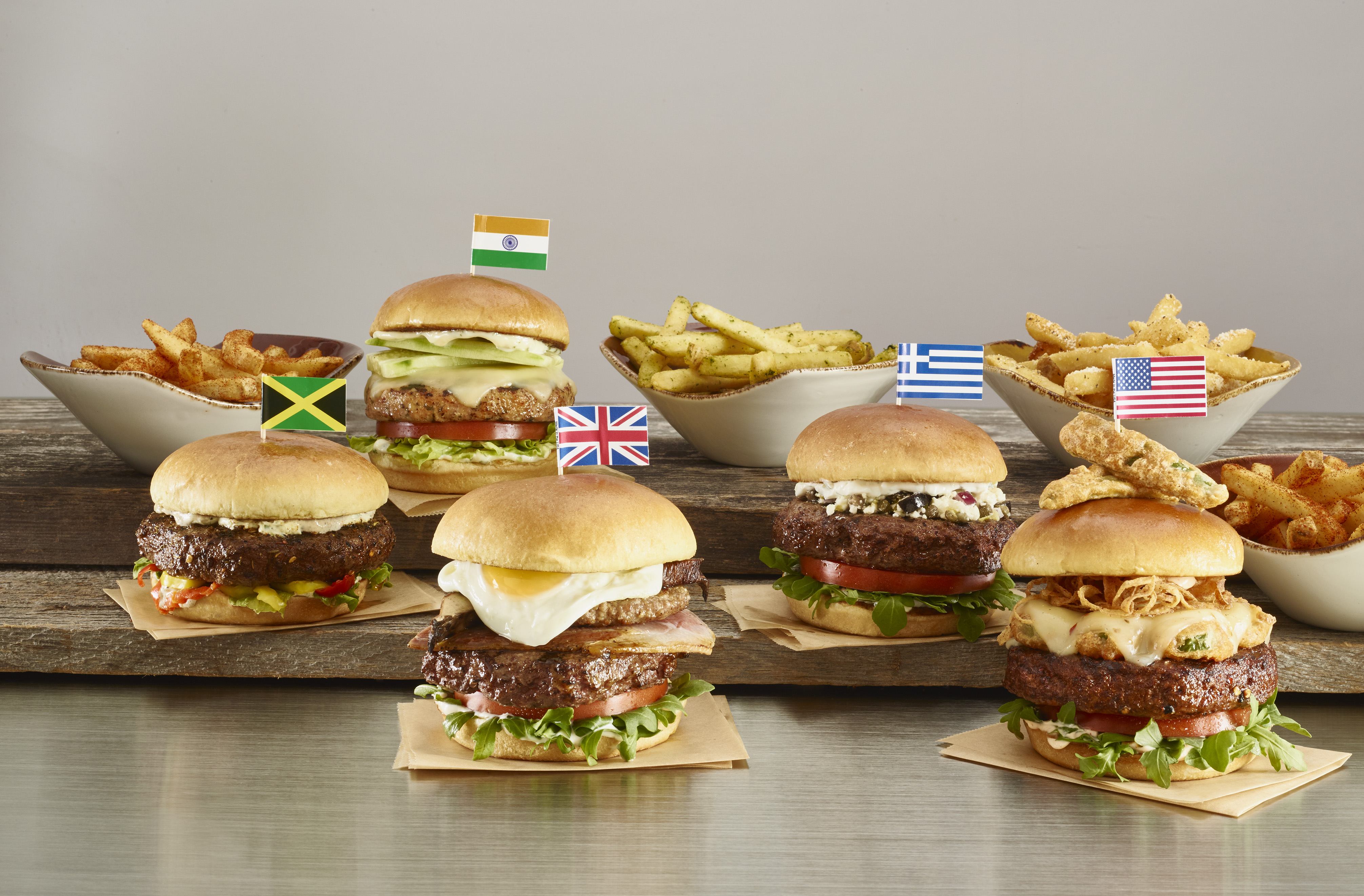 ¡El World Burger Tour de Hard Rock sale a la carretera!
